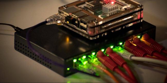 raspi-cluster-router-1_1552483324-e1552483349270-1024x512.jpg